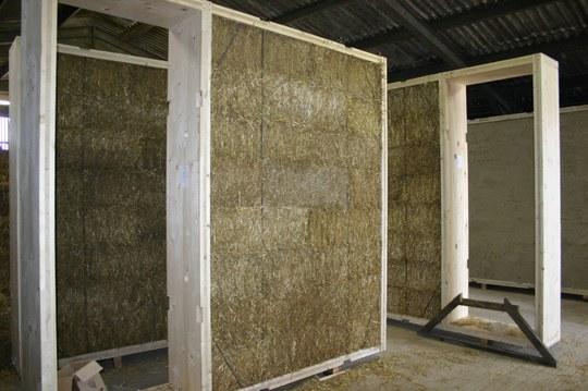 Sistema de industrialización eficiente con madera y aislamiento de paja; Universidad de Bath