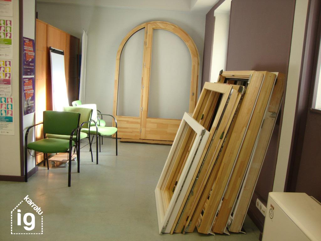 Reforma y mejora de la oficina y local de EGK: carpinterías